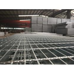 热镀锌钢格栅板、安平县秉德、石油化工厂踏板、轮船平台板