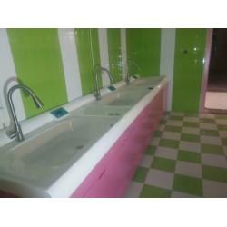 豪华婴儿游泳洗浴设备中心
