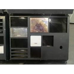 广州国明货架厂家如何对展示柜进行分类?
